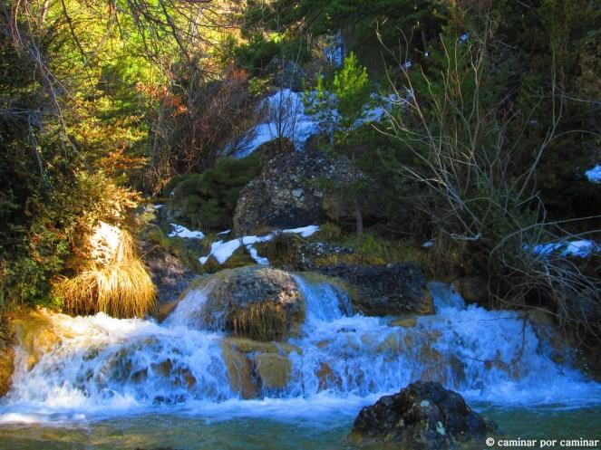 Zonas de cascadas antes de afrontar el sendero de umbría