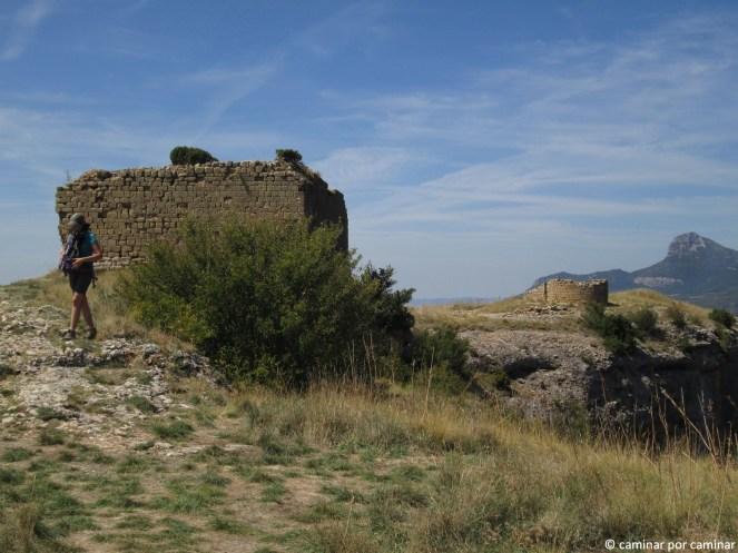 Aljibe y ermita en la cima de la Peña San Miguel