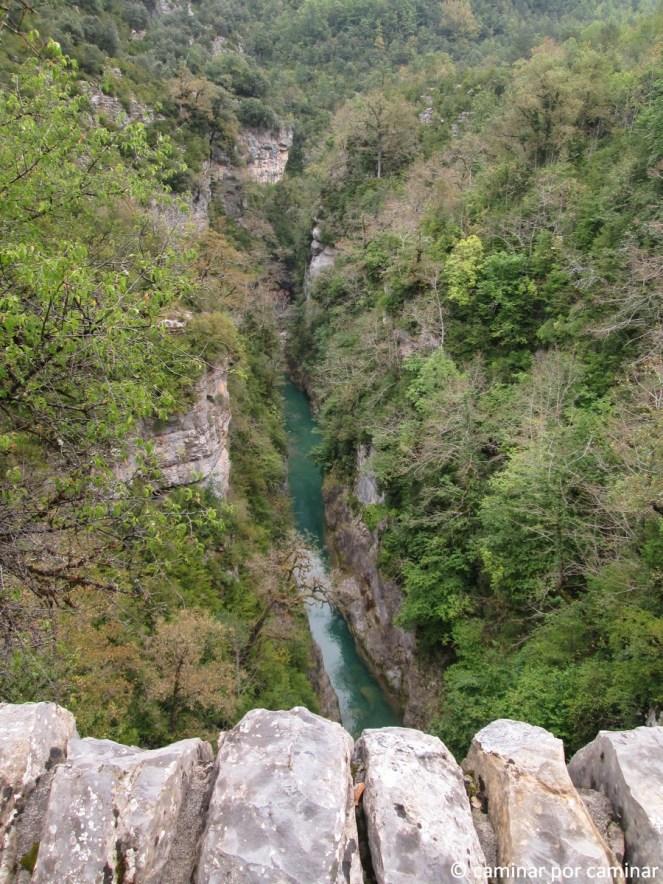 Panorama vertiginoso desde el puente de San Úrbez