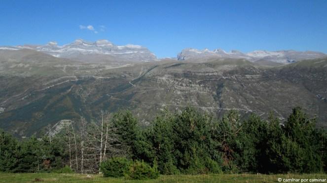 Monte Perdido y cía nos saludan desde sus 3000 y pico metros