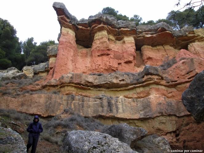 Curiosa sucesión de estratos geológicos