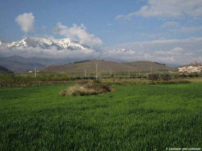 Moncayo y pueblo de Trasmoz, hechizo compartido