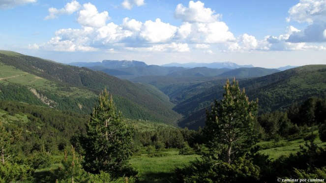 Última vistazo desde el puerto de Otal; montañas, barrancos y bosques, eso es Sobrepuerto