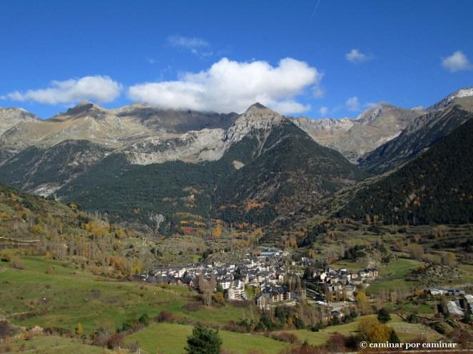 Inicio del sendero; paisaje de alta montaña