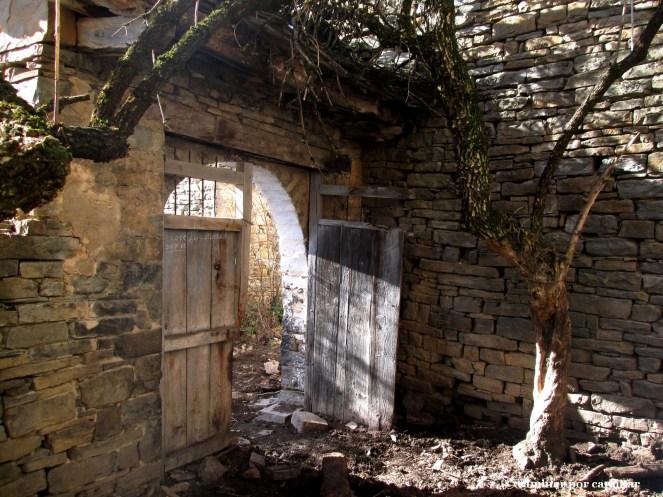 Puerta de entrada a casa Lacasa
