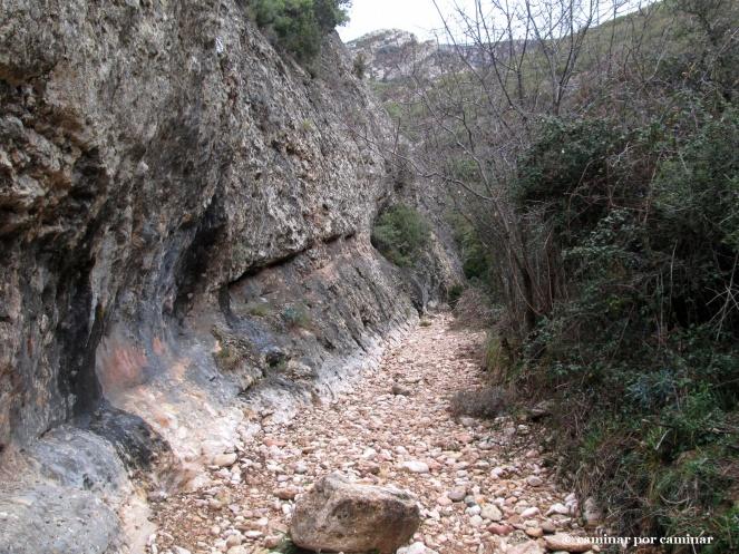 El lecho rocoso del barranco
