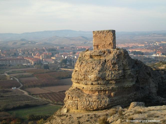 A espaldas del castillo