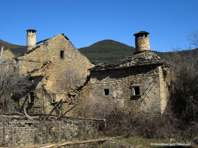 Casas Pedro y Vallés de Sasé