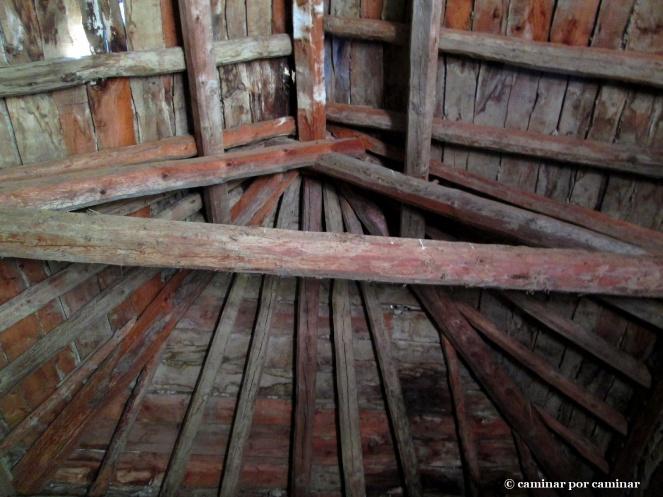 Sistema de vigas tradicional de la gran borda-palomar-yerbero