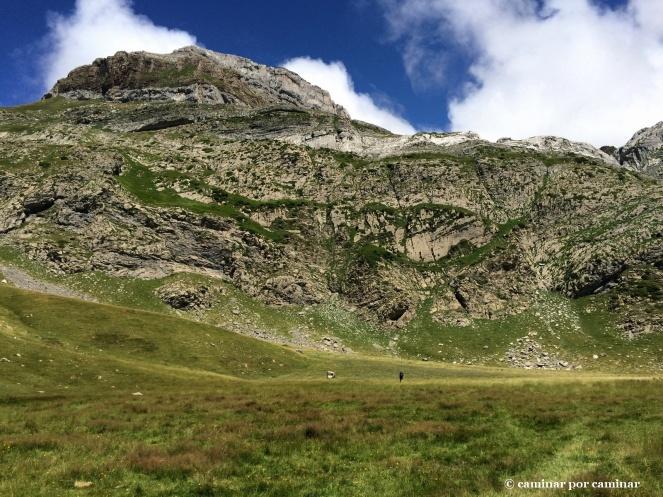 Antiguo dominio de las aguas del ibón de Izagra