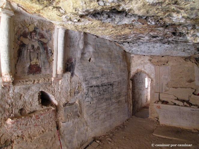 Interior de la ermita cueva